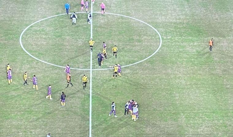 FOTO: Facundo Silva selló la igualdad ante Peñarol con un golazo.