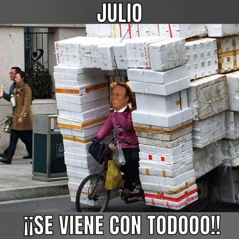 FOTO: Julio Iglesias - Ola - Meme