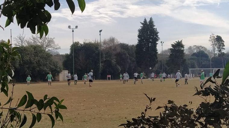 AUDIO: Organizaron un torneo de fútbol a pesar de las restricciones