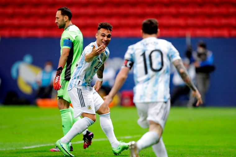 FOTO: Lionel Messi dio un gran pase en el gol de Lautaro Martínez.