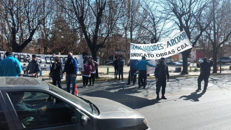 FOTO: Marcha en La Falda por cloacas