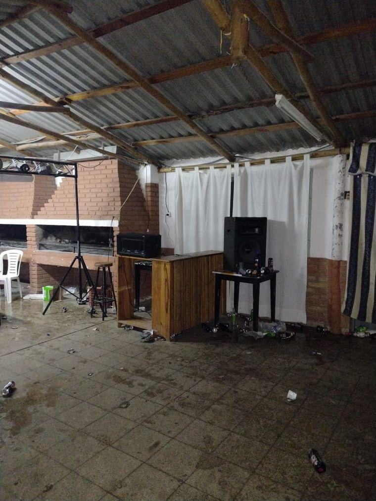 AUDIO: Desarticularon una fiesta clandestina con 250 personas