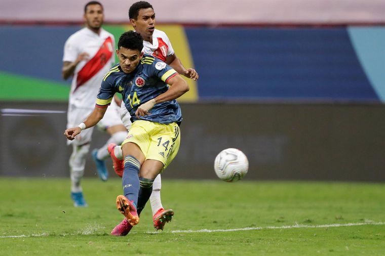 FOTO: Colombia derrotó a Perú 3-2 y se llevó el tercer puesto