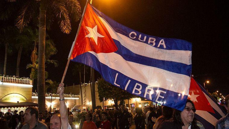 FOTO: Miles de cubanos entonaron consignas en contra del gobierno.