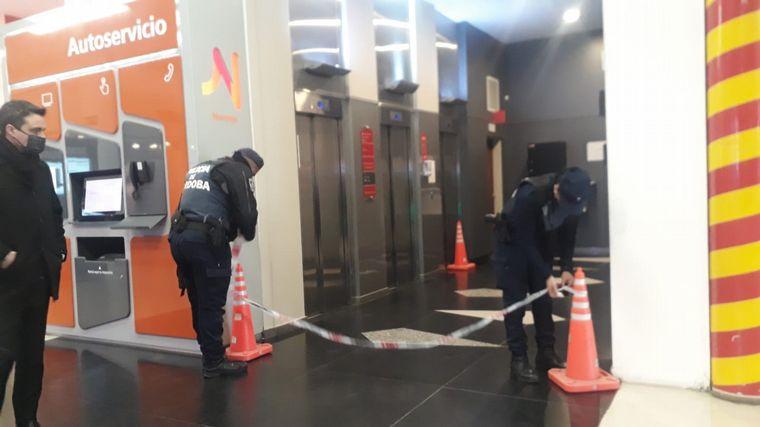 FOTO: Cayó un ascensor en Paseo Ribera Shopping de Río Cuarto.