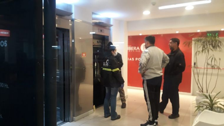 AUDIO: Cayó un ascensor con menores en un shopping de Río Cuarto