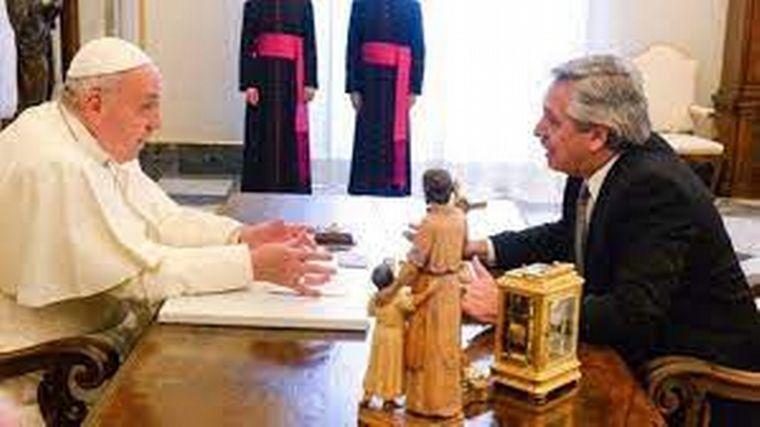 FOTO: Fernández felicitó a Francisco por su octavo año de papado