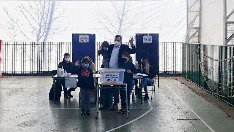 FOTO: El presidente chileno, Sebastián Piñera, votó en las elecciones primarias