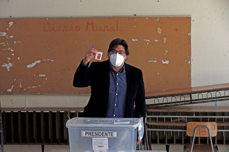 FOTO: Sebastián Sichel, candidato independiente, votó en las primarias