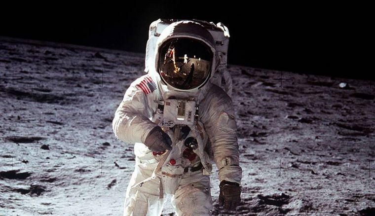 FOTO: La llegada del hombre a la Luna inspiró el Día del Amigo en Argentina.