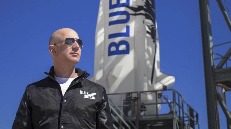 FOTO: Jeff Bezos terminó su viaje a en la nave de Blue Origin