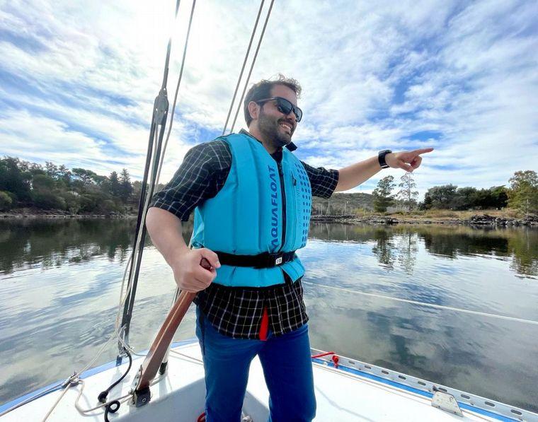 AUDIO: Cómo es navegar en velero por el lago más grande de Córdoba
