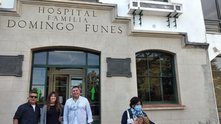 AUDIO: Cantaron una ópera en las puertas del Hospital Punillense
