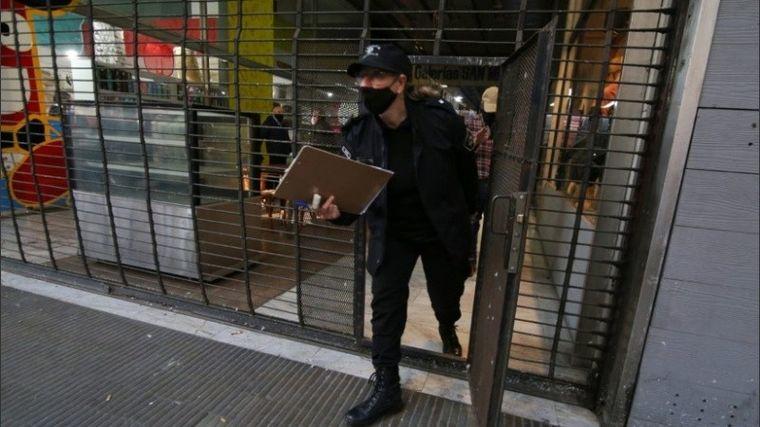 FOTO: Ingresaron a una galería y vaciaron entre 10 y 15 oficinas