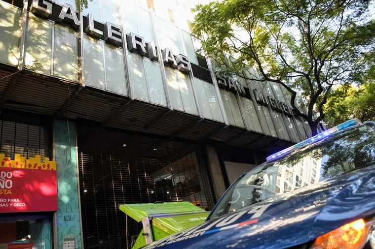 FOTO: Rosario: ingresaron a una galería y vaciaron casi 20 locales