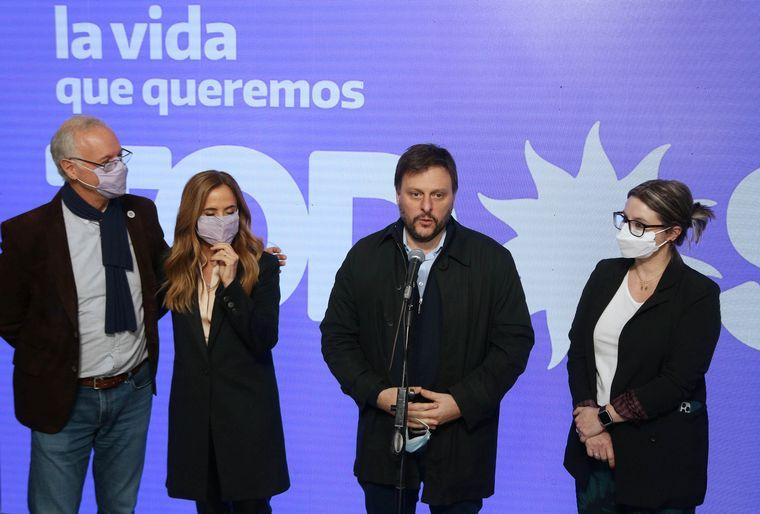 FOTO: Cristina y Alberto presentaron las listas del FdT en Escobar.