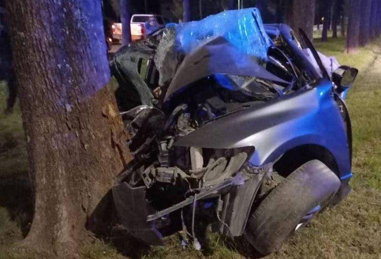 AUDIO: Santa Fe: mueren tres personas tras chocar contra un árbol (Foto: reconquistahoy.com)