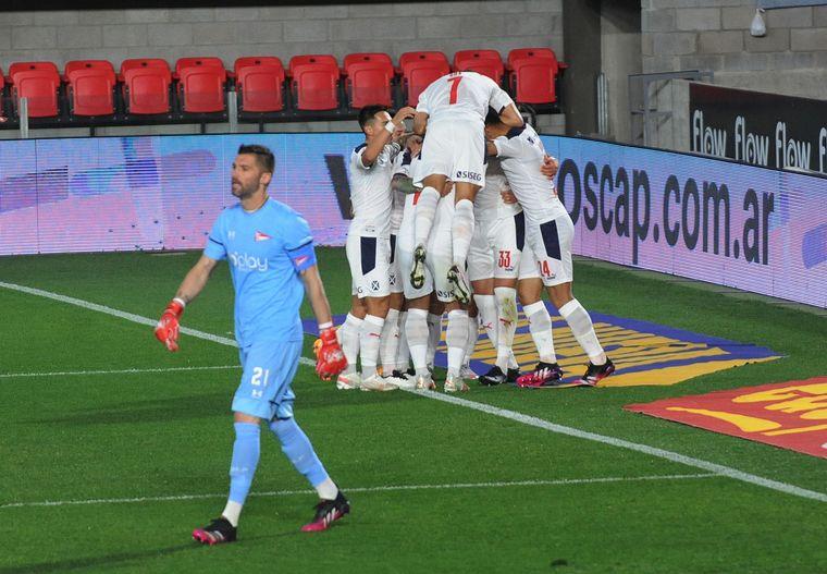 FOTO: Independiente sumó su primer triunfo del campeonato.