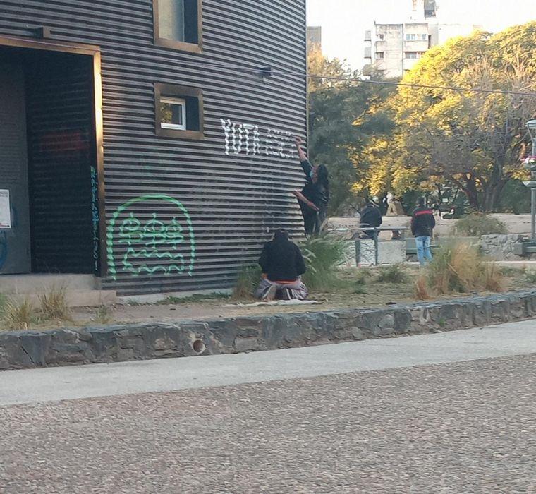 AUDIO: Dos detenidos en Córdoba por pintadas pidiendo por Tehuel