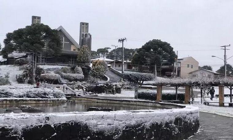 FOTO: Insólita nevada pintó de blanco el sur de Brasil