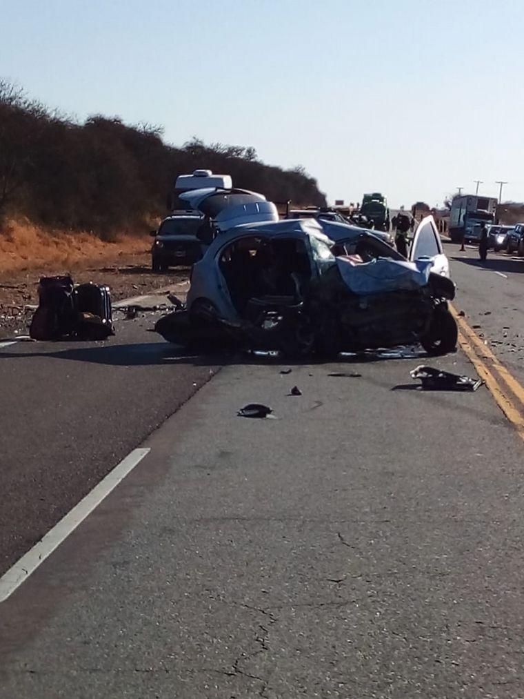 FOTO: Son seis los muertos en el choque de la ruta 9 en Salta (Foto: Sergio Tapia).