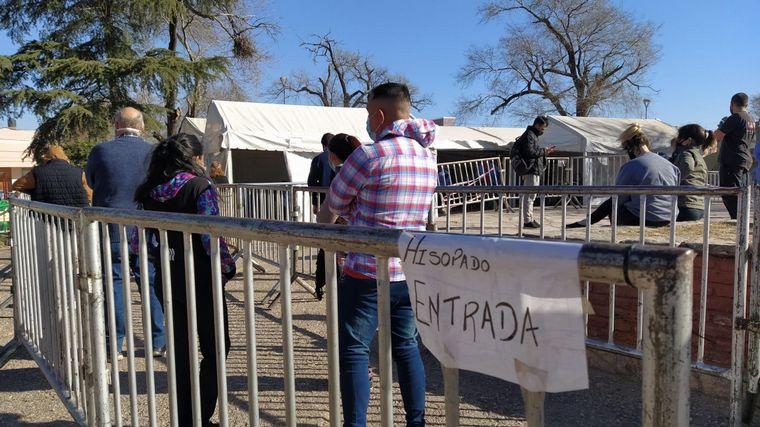 AUDIO: Vecinos de barrio Los Naranjos se testean por precaución