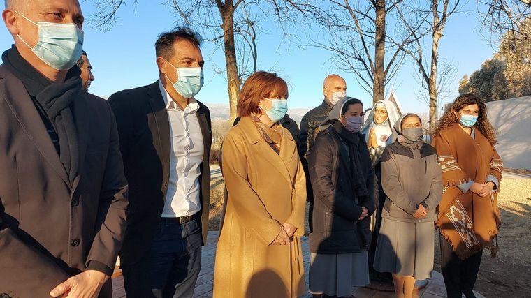 FOTO: Alejandra Vigo inauguró cinco nuevas estatuas en el Parque Brochero Santo.