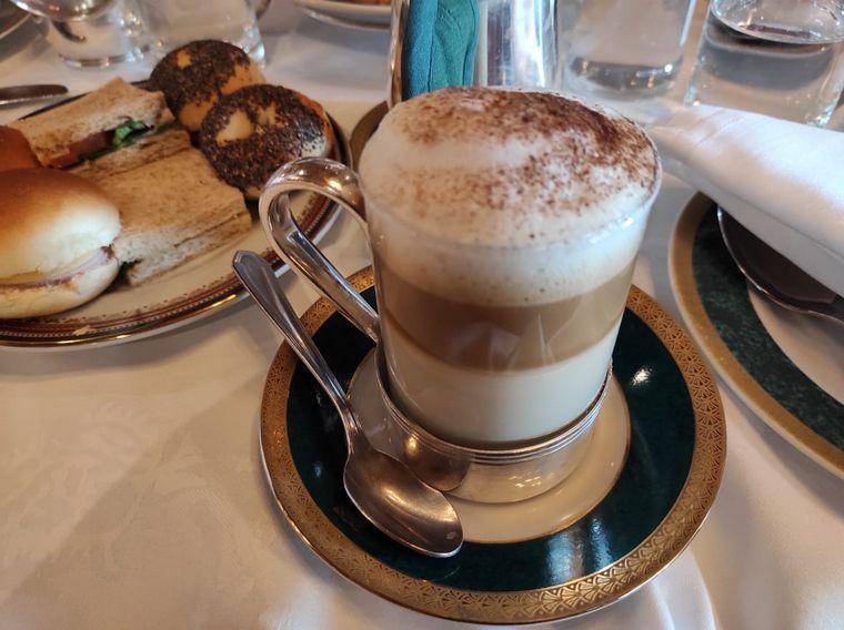 AUDIO: Una deliciosa merienda en el tradicional Hotel Llao Llao