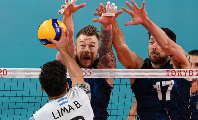 La Selección de voleibol va por todo ante Italia en Tokio.