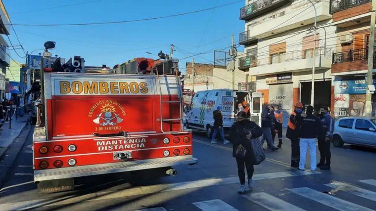 AUDIO: Despiden los restos de los bomberos fallecidos en Caseros