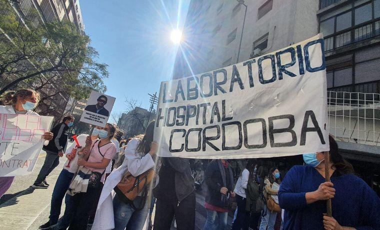FOTO: Protesta de trabajadores de la salud en Córdoba.