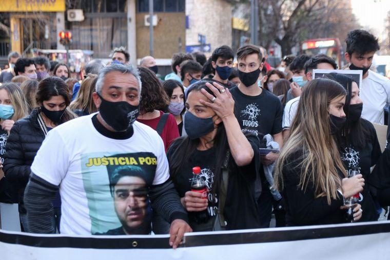 FOTO: Marchan en el centro de Córdoba a un año del crimen de Blas Correas.