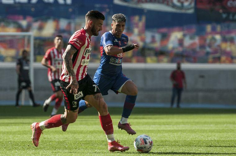FOTO: Güemes e Instituto igualaron 1-1 en Santiago del Estero.