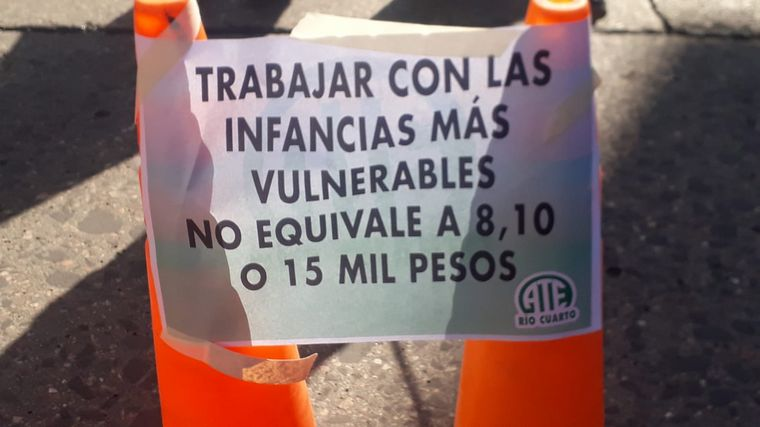AUDIO: Profesionales de la Senaf reclaman por bajos salarios