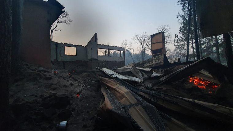 FOTO: Al menos 15 casas quemadas en el condominio privado Villa El Cóndor.