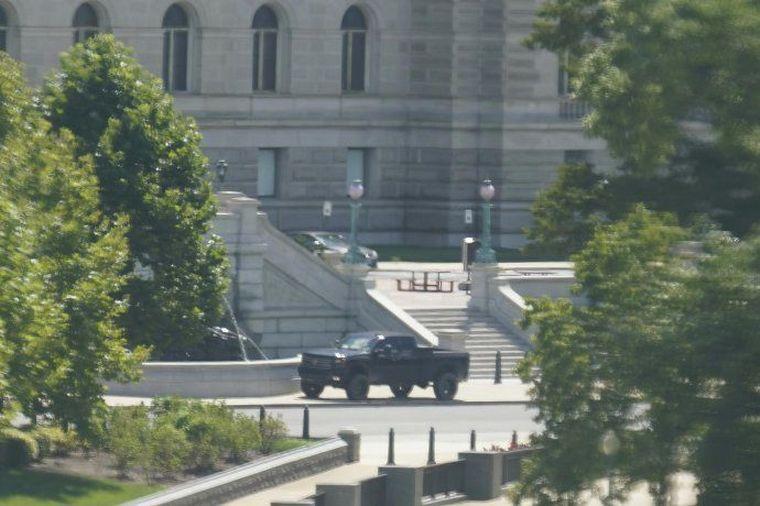 FOTO: Un hombre amenazó con detonar una bomba cerca del Capitolio