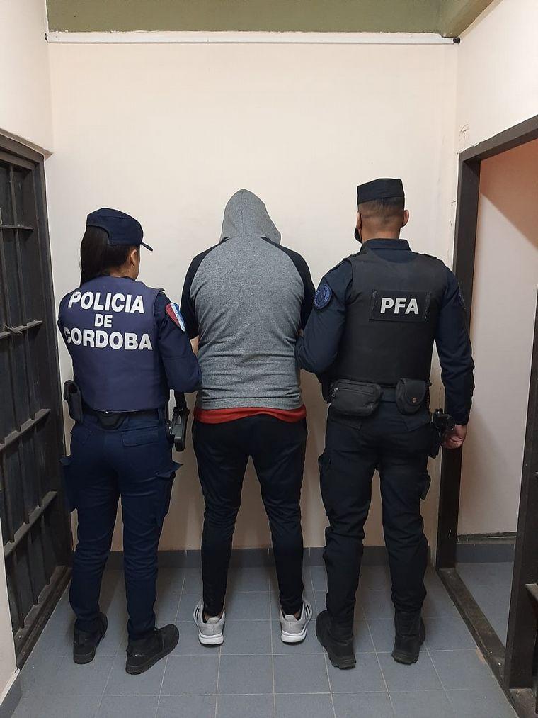 FOTO: Detuvieron al jefe de la banda del robo de soja en Buchardo