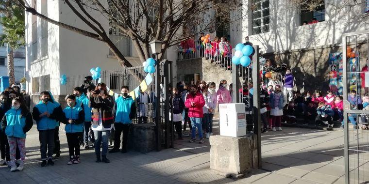 FOTO: El Cruce por la Educación llegó a Río Ceballos, a la escuela Mariano Fragueiro