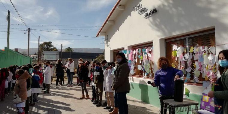 FOTO: El Cruce por la Educación en la escuela Esteban Echeverría de Villa Giardino