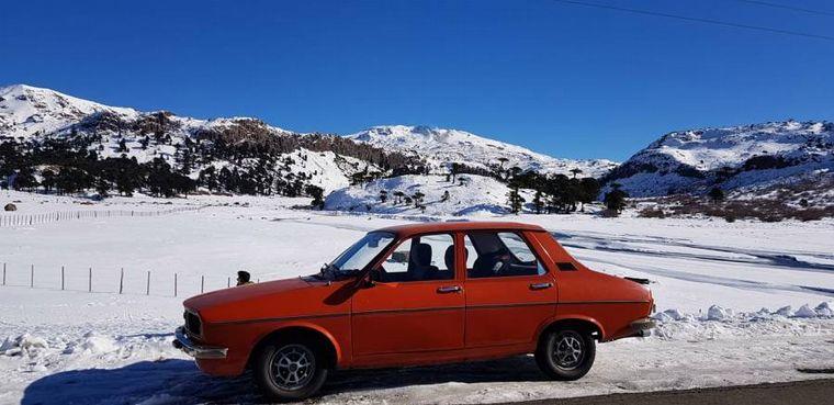 FOTO: El R12 que se viralizó en Caviahue: