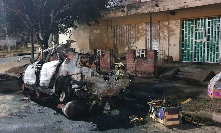 AUDIO: Impactante explosión tras incendio de un auto con GNC