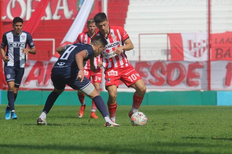 FOTO: Instituto perdió con Tristán Suárez y se aleja del Reducido.