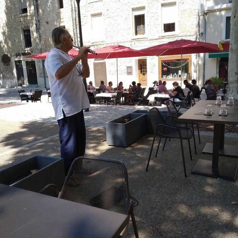 FOTO: José Luis Tubert es un músico trotamundo que ahora está en Israel.