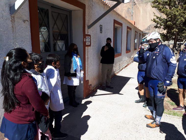 FOTO: El Cruce por la Educación en la escuela María Luisa Duhagón del Puente del Inca