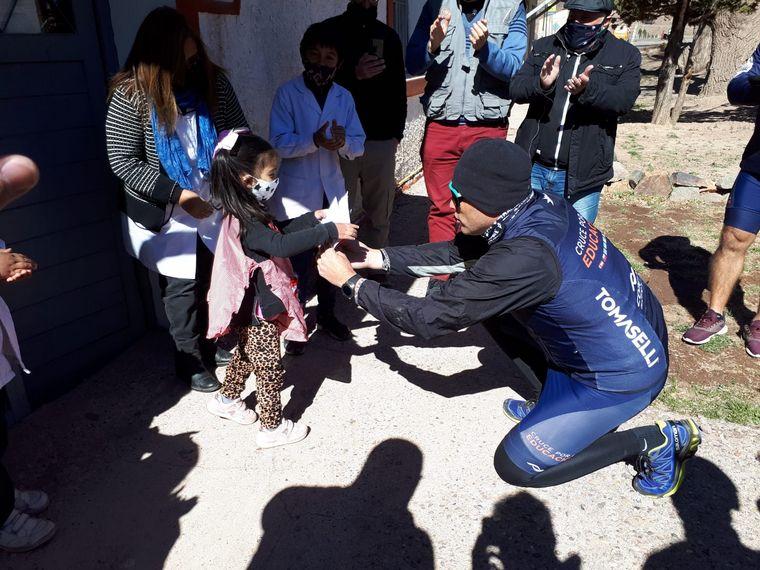 FOTO: El Cruce por la Educación en la escuela Ejército Libertador en Punta de Vacas