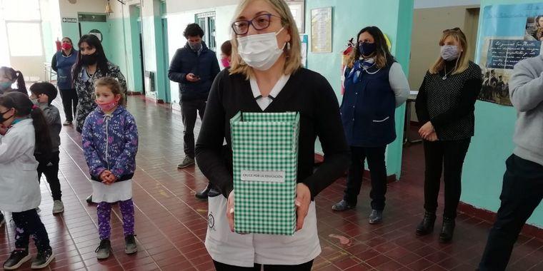 FOTO: El cruce llegó a la escuela Combate de Potrerillos en Uspallata.