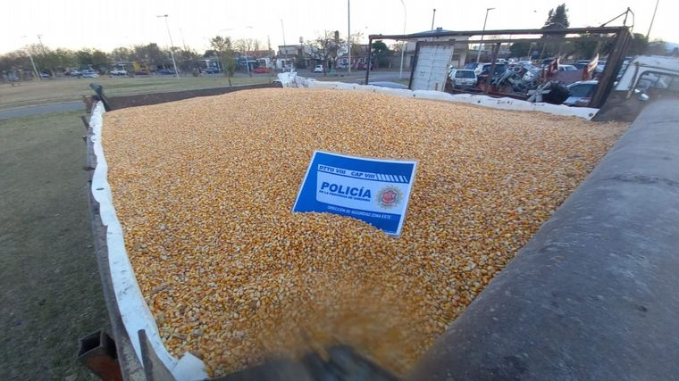 AUDIO: Detuvieron a 10 personas por el robo de 5 toneladas de maíz