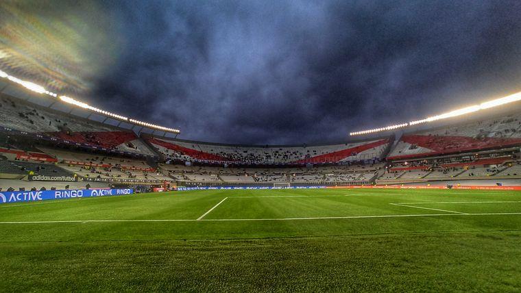 FOTO: Son 21 mil los hinchas que disfrutarán de la Selección en vivo