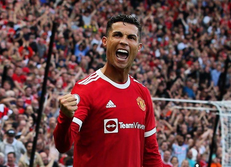 FOTO: Cristiano Ronaldo marcó un doblete en su regreso a Manchester
