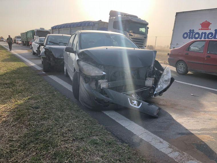 FOTO: El choque en cadena involucró a varios vehículos